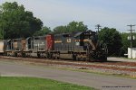 HLCX 6300 leads three SD40-2s on Q574 north