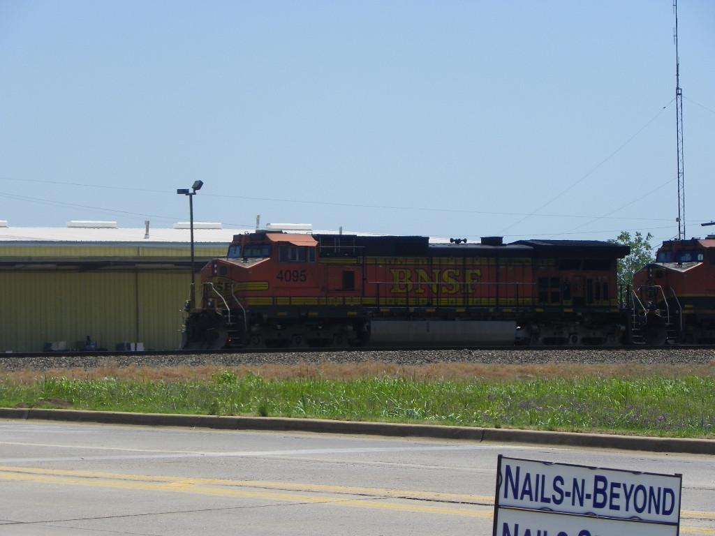 BNSF C44-9W 4095