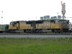 UP 4807(SD70M)  4143(SD70M)