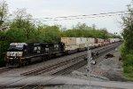 NS 9555 leads an Eastbound Intermodal
