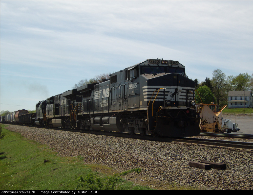 NS 9965 Leads Eastbound Manifest