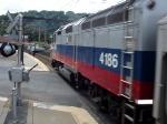 Metro-North  GP40FH-2 4186 pushing #856