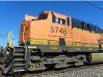 BNSF ES44AC 5748