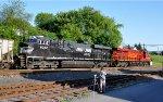 NS 591 , NS 8104 Lehigh Valley Heritage engine