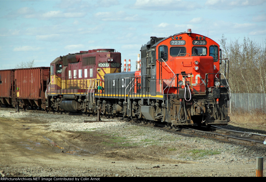 CN 7239 Switching at Clover Bar