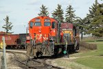 CN 7239 Switching an industrial yard at Clover Bar