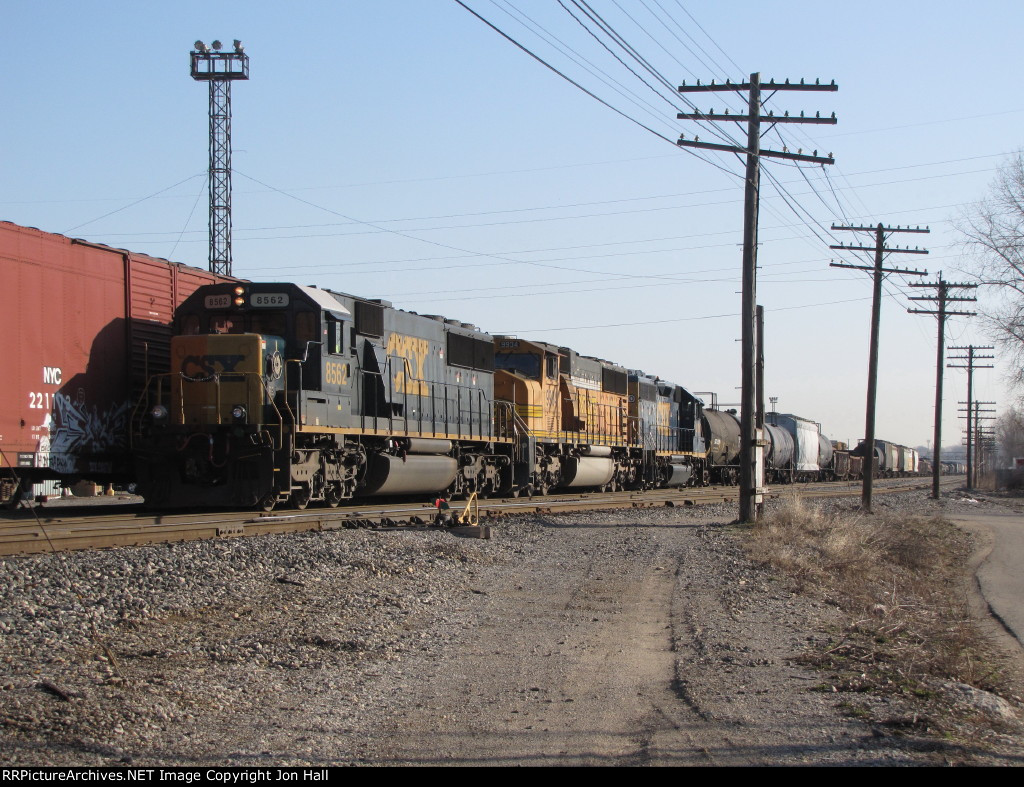 CSX 8562 brings Q335 down to the west end of 2 Track