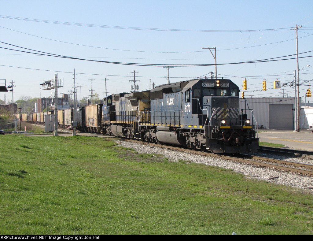 HLCX 8170 rolls over Hall St as it nears its destination with K901-10