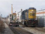 CSX 2666 leads Y106 east past the spot where welders have been working on Track 2