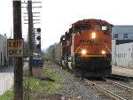 BNSF 9135 & 9309 lead N956 eastward onto Track 2 at Grandville