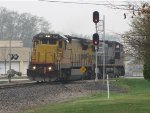 CREX 9030 & CSX 7864 roll east past the westbound Seymour signal as G010