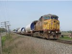 UP 6670 leads K242 east across rural Ottawa County