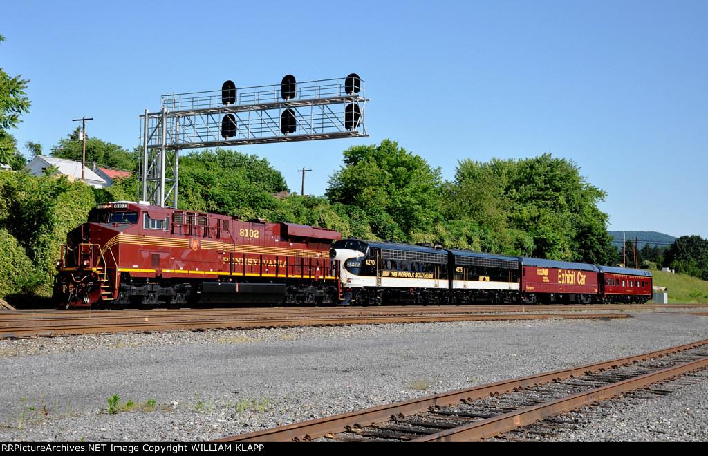 NS 956 , NS 8102 P.R.R. Heritage engine
