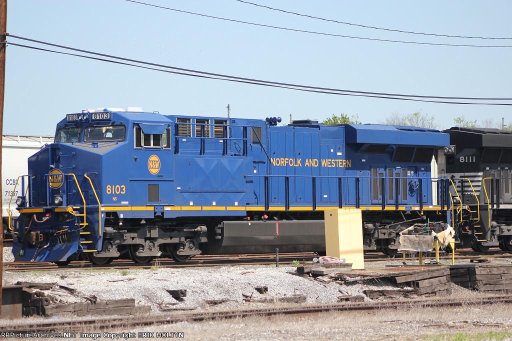 NS ES44AC 8103