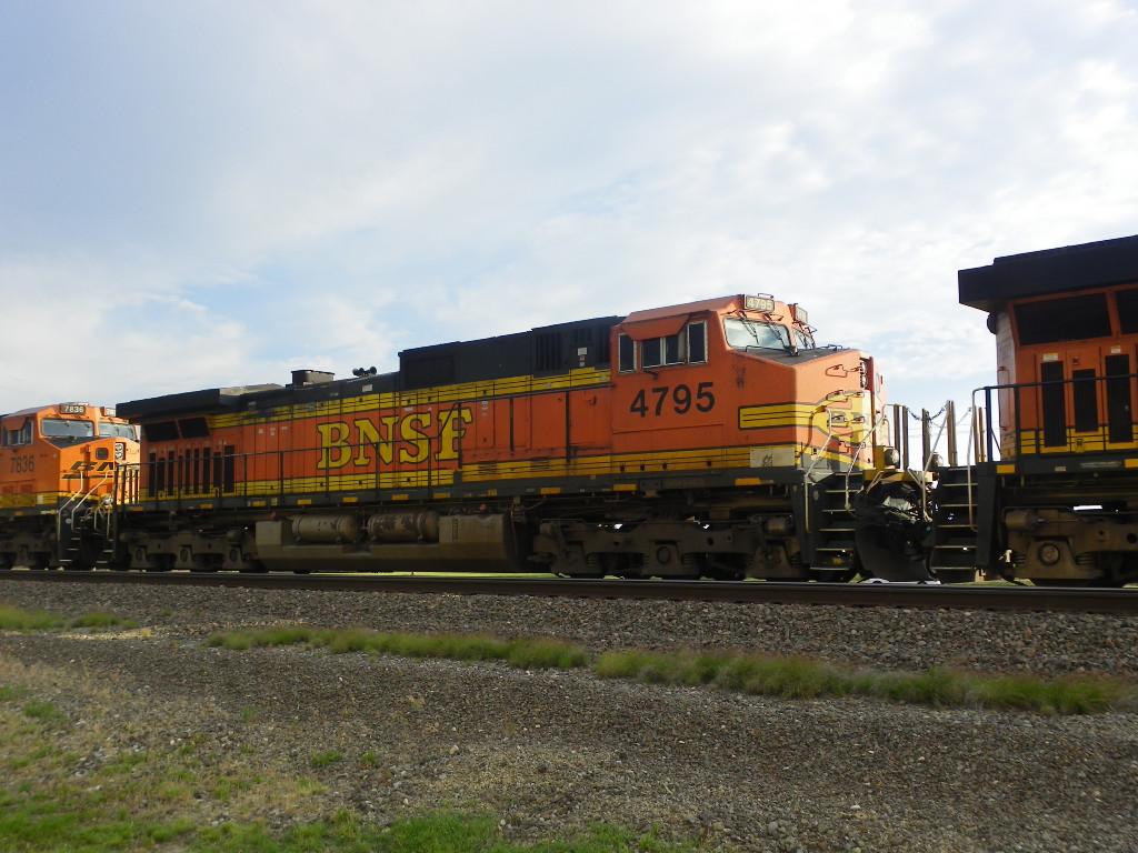 BNSF C44-9W 4795