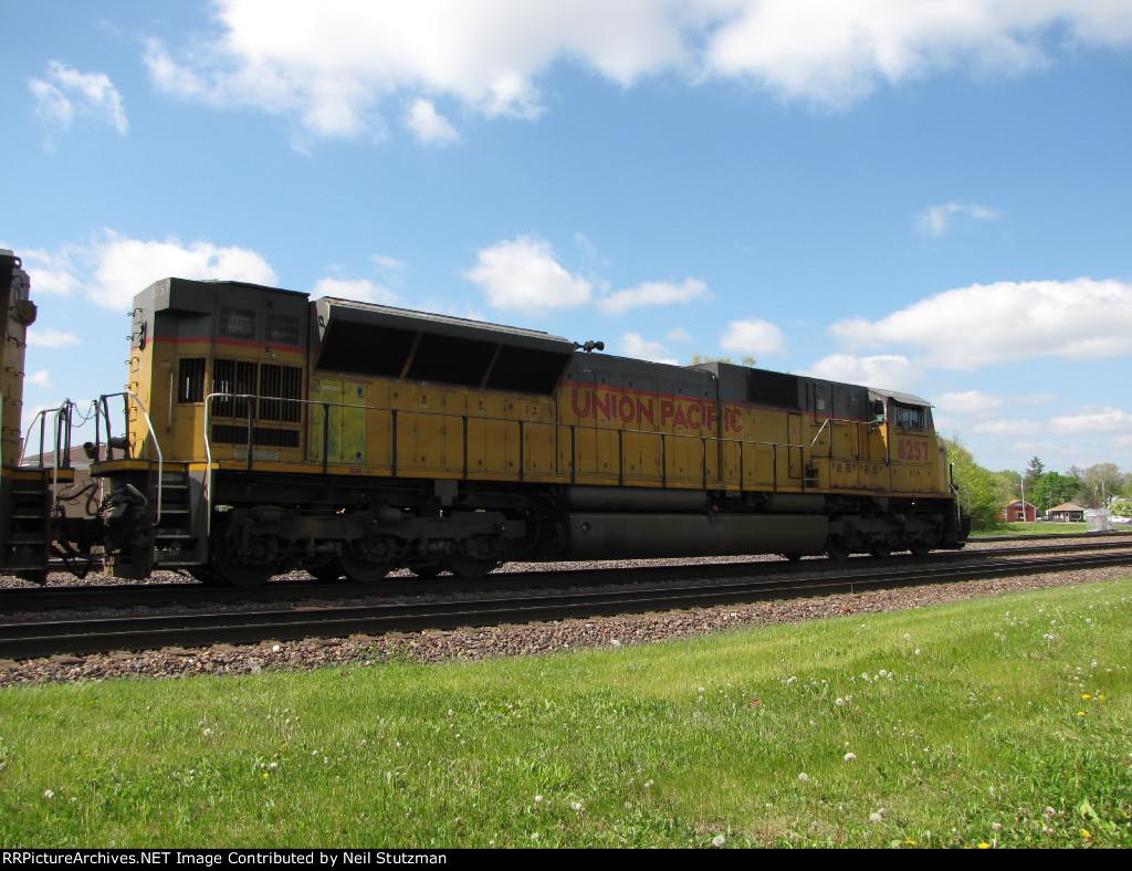 UP 8257