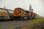 BNSF 4588 leads this junk freight Nb in the rain.