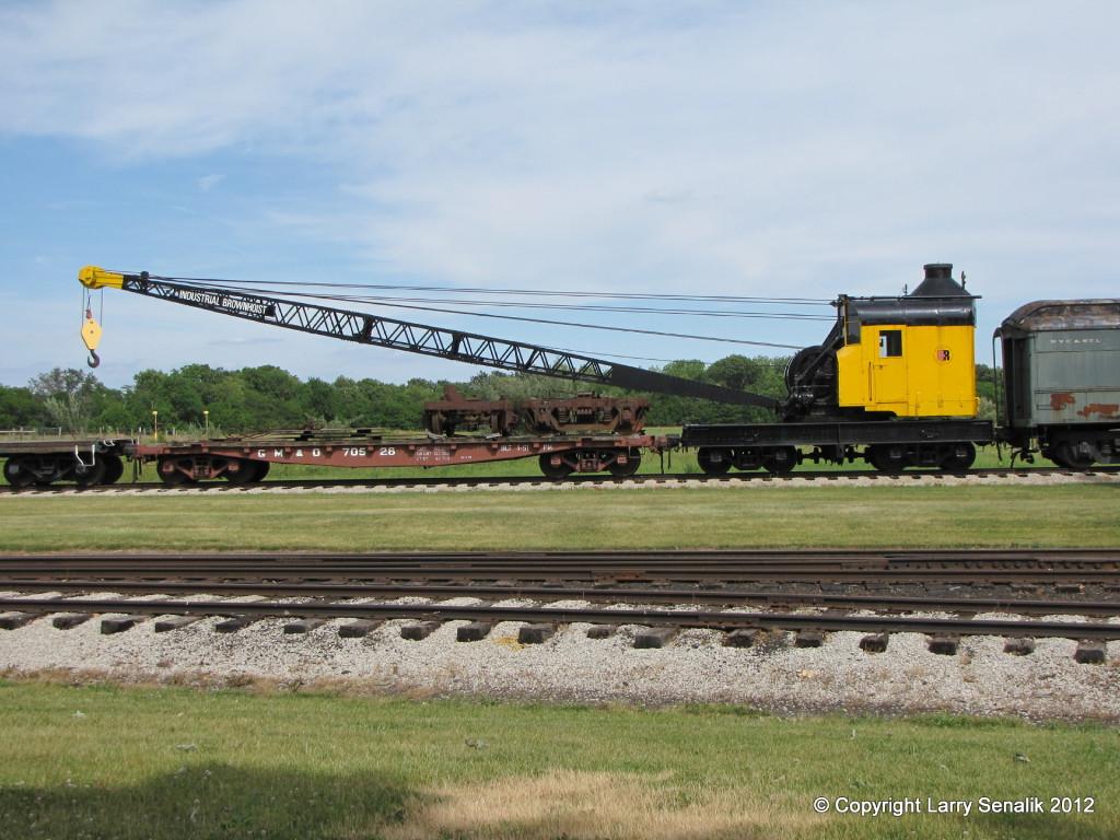 Bates & Rogers Crane 11442 at Monticello Railway Museum