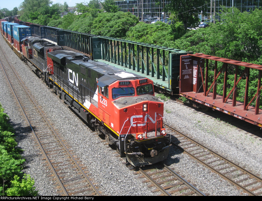 CN 394 heads east