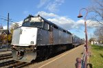 AMT 4118 shoves a deadhead movement through Montreal West
