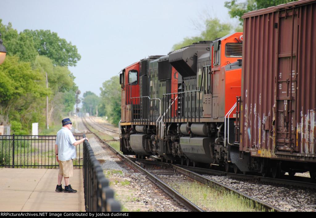 CN 8939