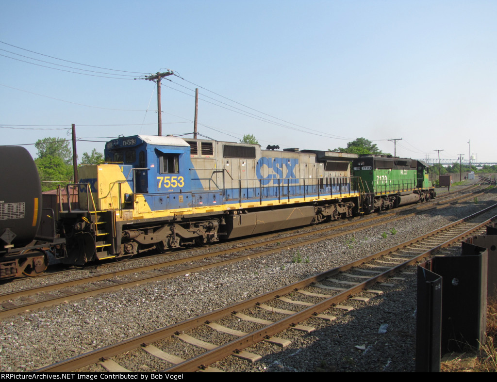 CSX 7553 and HLCX 7170