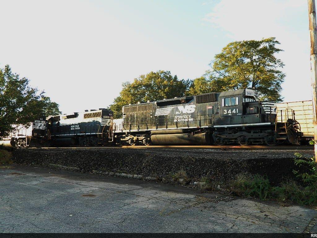 NS 344(SD40-2)  5532(GP38-2)