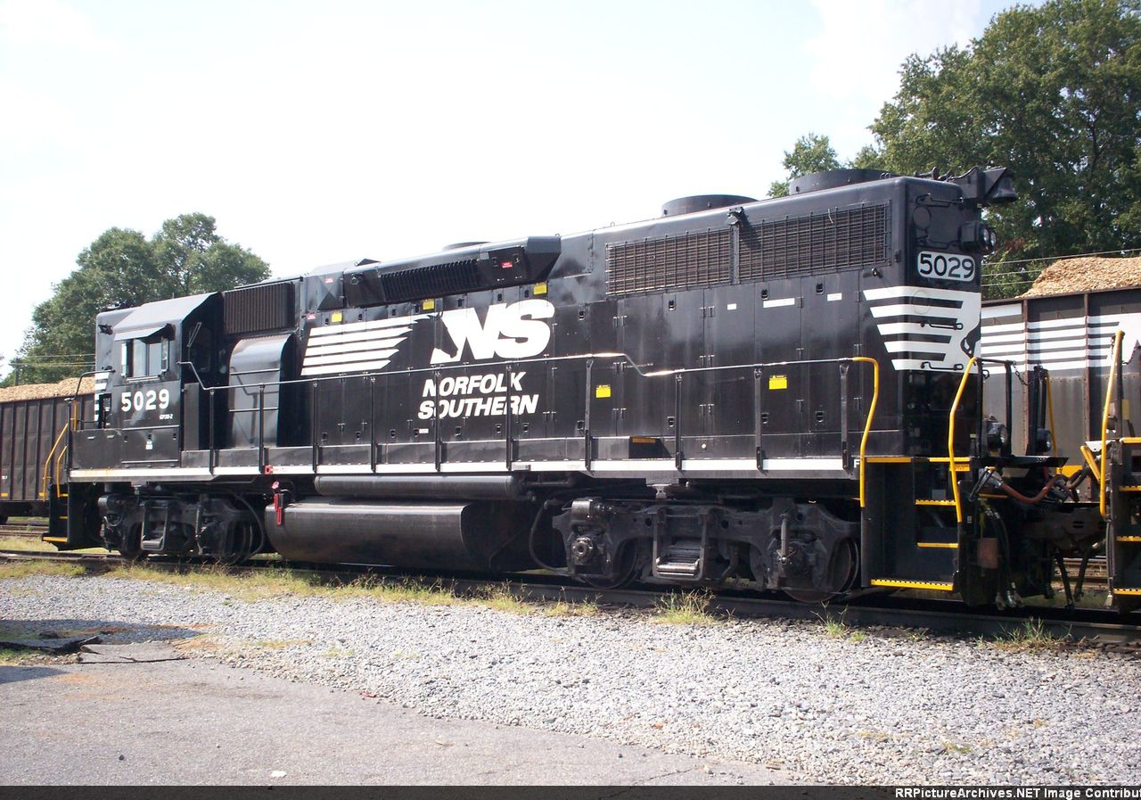 NS 5029(GP38-2) HIGH HOOD