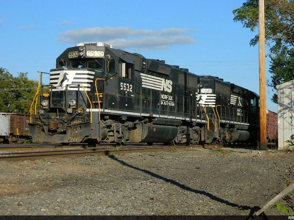 NS 5532(GP38-2) 3441(SD40-2)