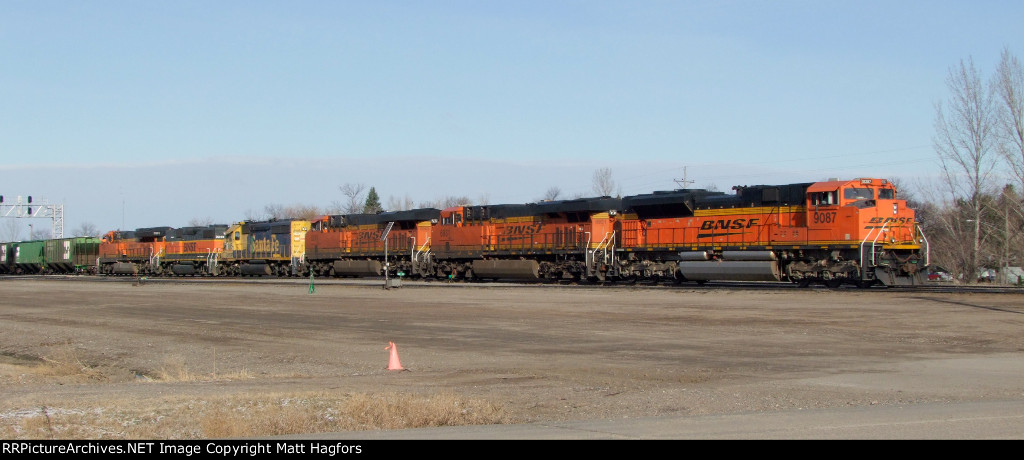 BNSF 9087