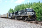 NS 7601 powers autoracks east.