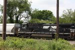 NS 9366 AEX 5886 on 16T