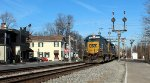 CSX 6404 leads seven Triopican car south-bound