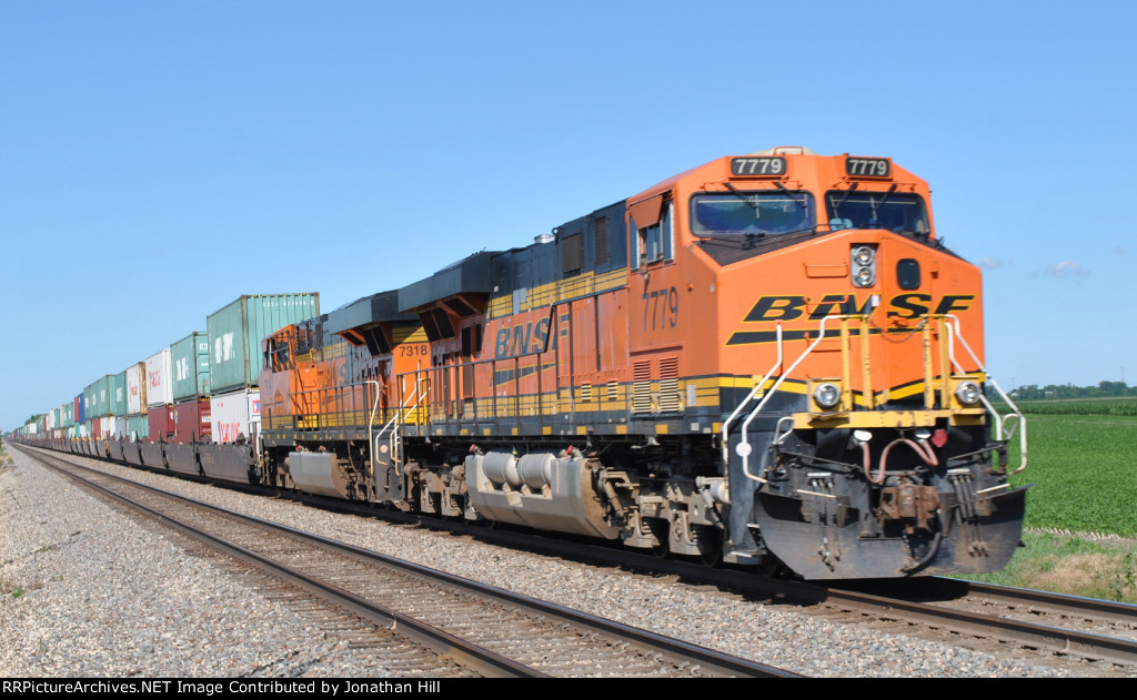 WB BNSF DPUs just East of Coal City