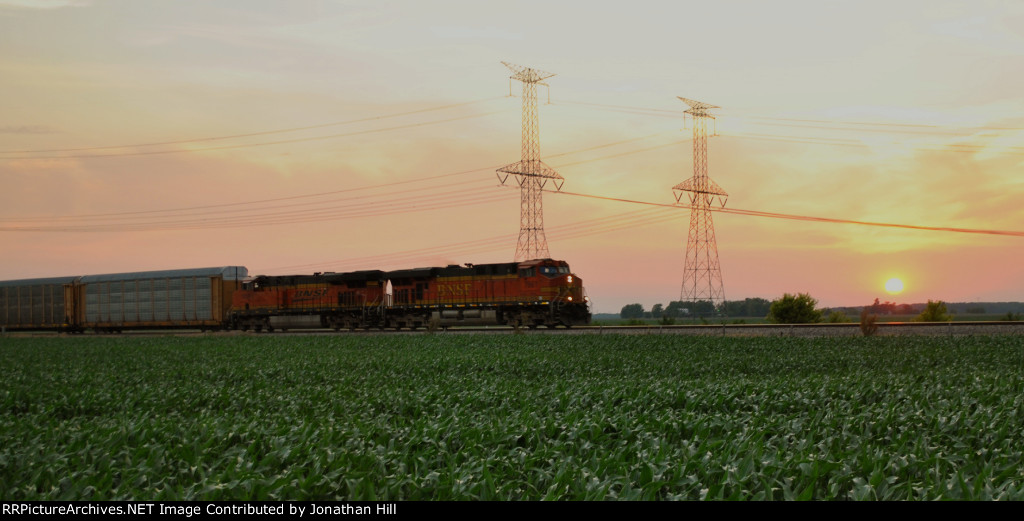 EB BNSF Autorack at Sunset