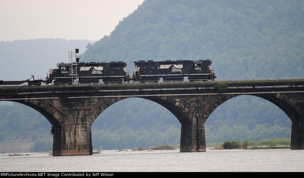 Hi-Hood on the Rockville Bridge