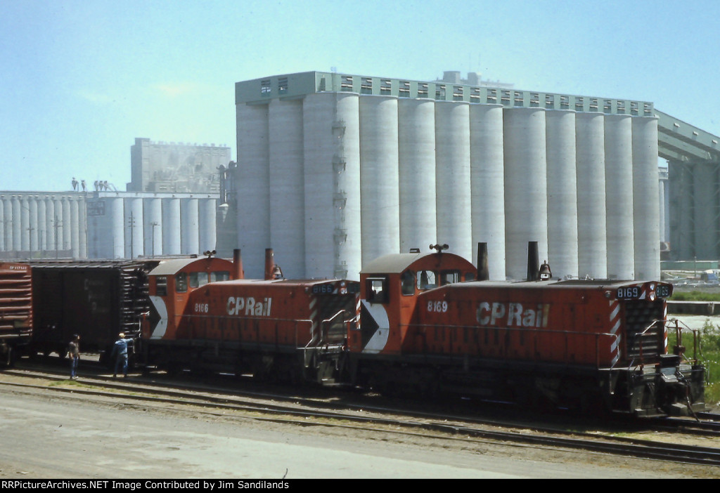 CP 8169 and 8166 at Thunder Bay