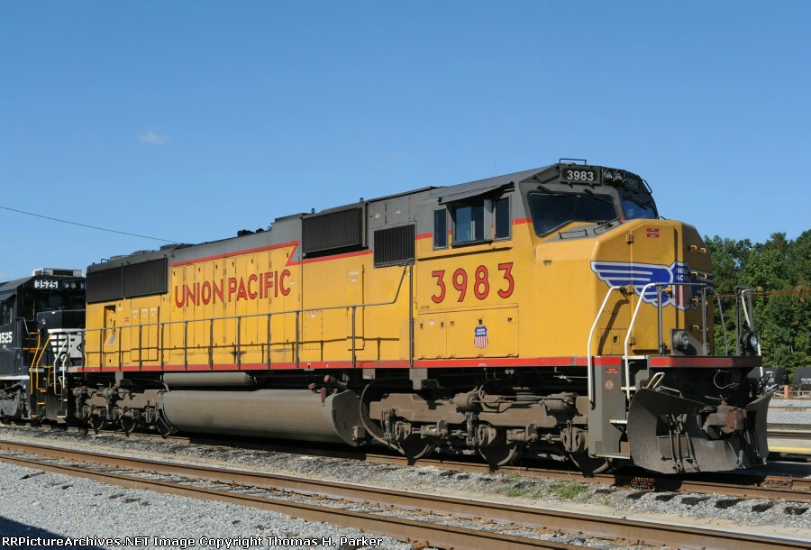 UP 3983 SD70M