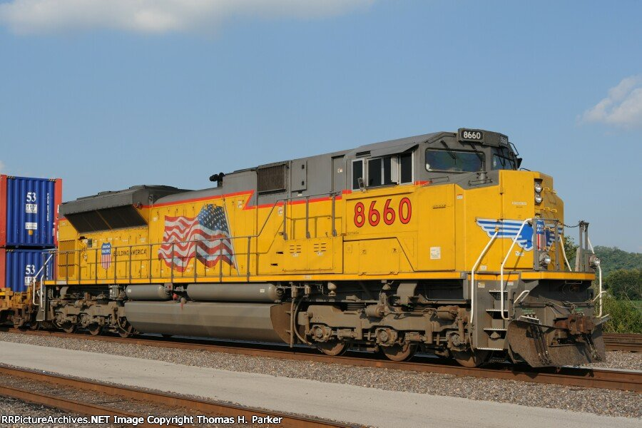 UP 8660 SD70ACe