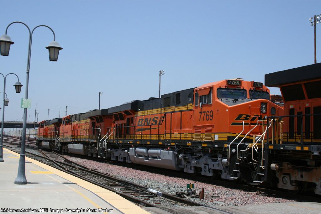 BNSF 7769