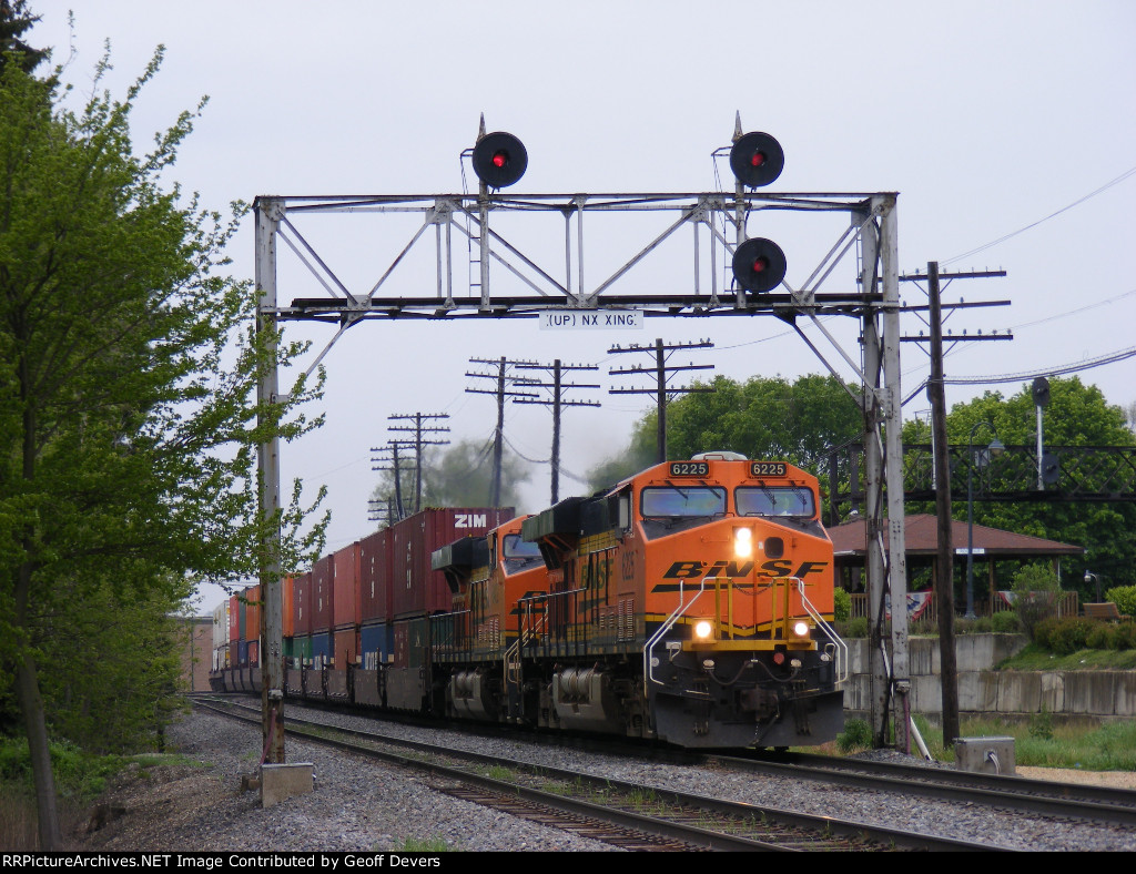 BNSF 6225