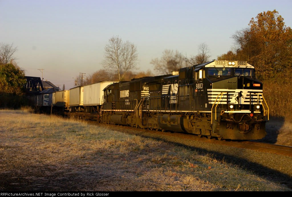 NS 20K is EB @ 0726 hrs During A Frosty Sunrise