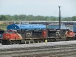 CN GE ES44DC 2285 & EMD SD70M-2 8000