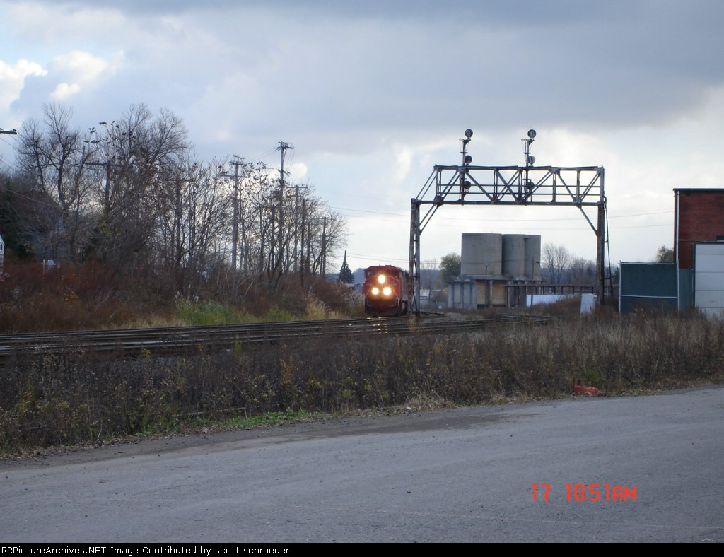 CN 2446 leads CSX Q621 WB on the New Lead, and then will head NB at CP 290 where the Montreal Secondary connects