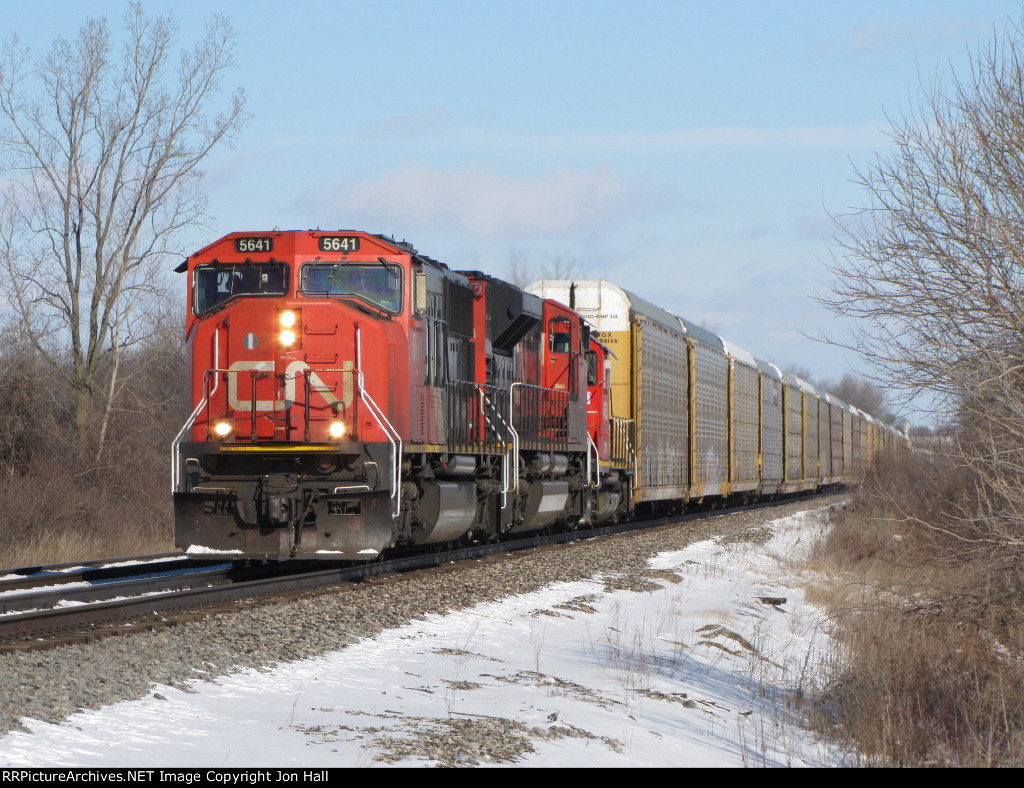 Just off the Holly Sub, CN 5641 leads M371 west