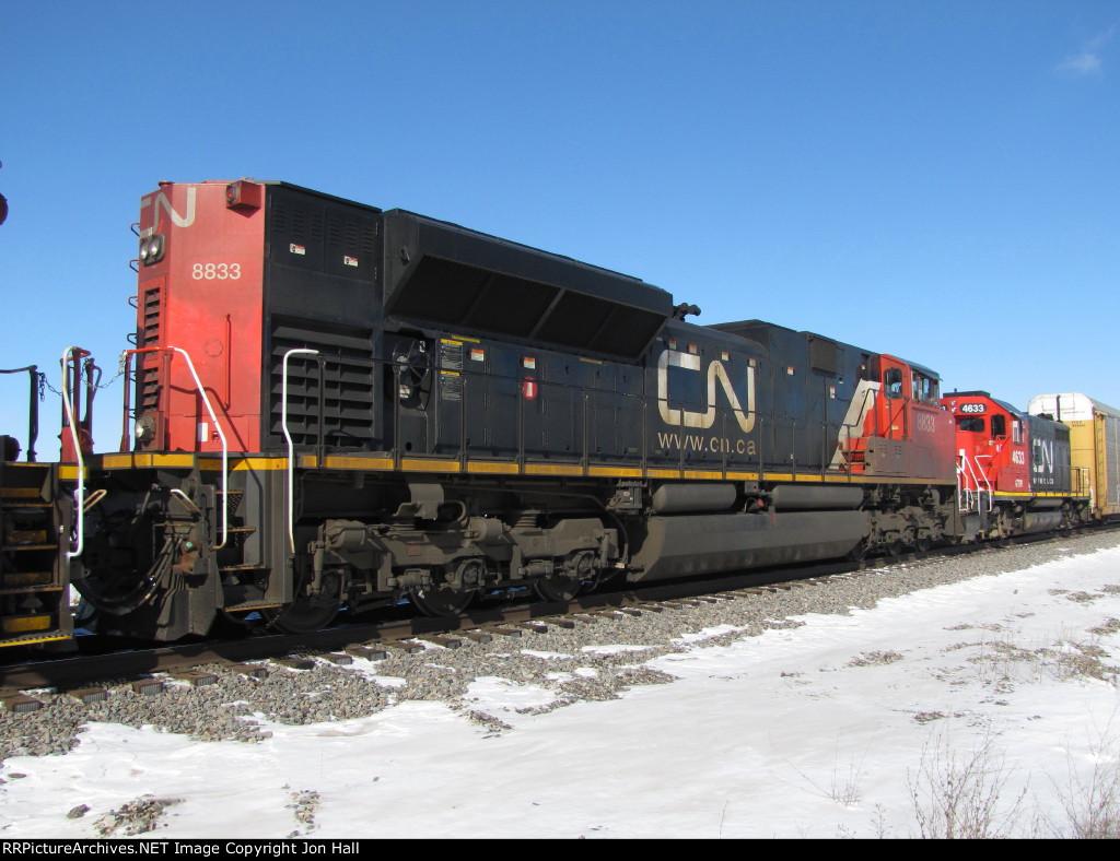 CN 8833 & GTW 4633