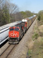 CN 2273 & 2130 lead M371 west out of Durand