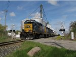D707 makes track speed eastbound across 2nd St in Lake Odessa