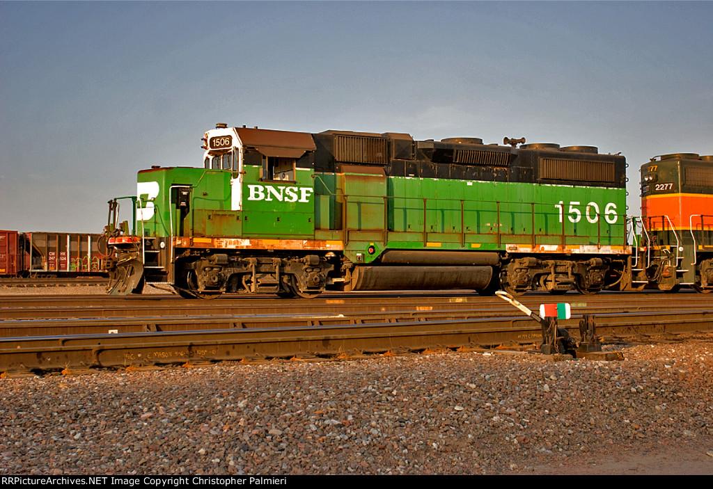 BNSF 1506