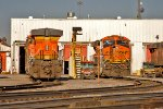 BNSF 5829 and BNSF 7261